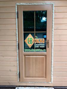 Деревянные-двери-со-стеклопакетом-из-лиственницы